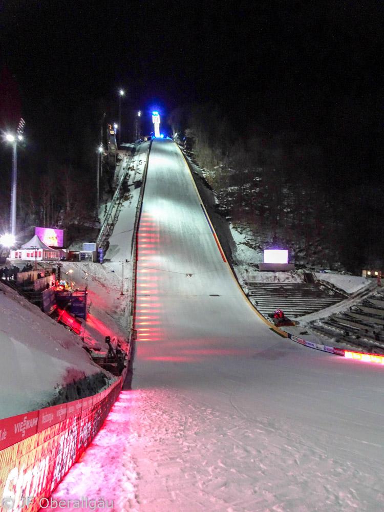 Hautnah beim Skifliegen in Oberstdorf